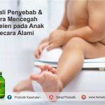 Penyakit Ambeien pada anak karena kurang asupan serat. Cara mengatasi, memberikan makanan kaya serat, mengajak olahraga, minum air putih dan berikan BioJANNA.
